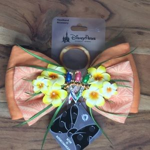 Disney Enchanted Tiki Room Swap Bow Minnie